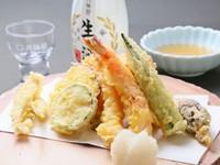 サクサク食感がたまらない『天ぷら盛り合わせ』