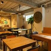 内装から家具まで、どこを切り取ってもオシャレなカフェ