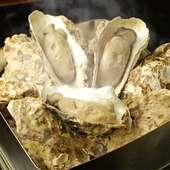 通年で食べられる人気メニュー『牡蠣カンカン焼き』<十個>