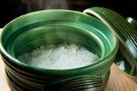 特注品の土鍋でふっくらと炊き上げた、こだわりの『銀シャリ』