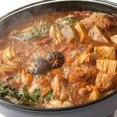 名古屋の郷土料理『ひきずり鍋』を3つの味にアレンジした、名古屋コーチンの『名代とりすき』