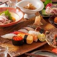 ご宴会、会食に人気の各種お料理コースは4500円よりご用意しております。詳細は「メニュー」から「コース」の項をご参照ください。