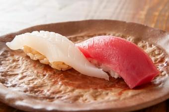 寿司6貫を主軸に、本格和食を楽しめるお料理コースです。2名様~、前日18時までご予約承ります。