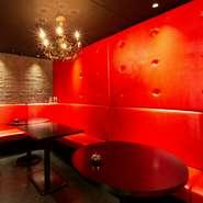 """カブレッタ主催のコンパイベント""""カブコン""""が大好評。恋人探しだけでなく、趣味仲間との出会いなど、様々な人の輪が広がる場を提供し、地域もお店も盛り上げています。もちろんVIPルームの個別利用もできます。"""