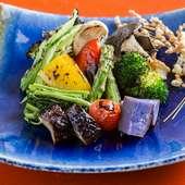 大地の恵みを満喫できる人気のひと皿『旬野菜の盛り合わせ』