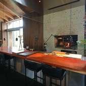コース料理の趣や味わいに加え、空間やスタイルもドラマチック