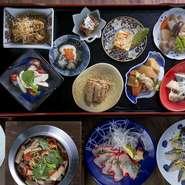 博多飯と厳選された食材をリーズナブルなお値段で、女子会を強力にサポートしてくれます。 ※コース料理は3300円(税込)からございます。