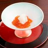 新鮮な旬の魚介を堪能する『刺身盛合せ 松』