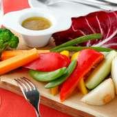 野菜をおいしく味わえる『バーニャカウダ ~Scalia社アンチョビを使ったソースで~』