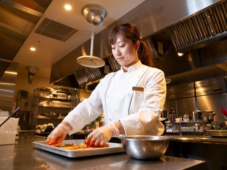 料理長が魅せる、韓国伝統のおもてなし