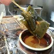 築地の豆腐店「杉寅豆腐店」の大豆を厳選した厚揚げ。佐賀の「姫豊」と言う大豆を使った厚揚げはお薦めです。