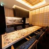 竹取物語をテーマとした特別個室は、細部まで趣向を凝らした空間