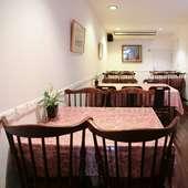 フラっと気軽に立ち寄れて、くつろいで食事を楽しめる街の洋食店