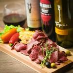 【料理のみ】ハラミ・カルビ・ロースはもちろんのこと、サラダやスープも種類豊富に充実させました!