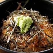 「野毛で静岡を食す」がコンセプトの店。焼津の黒はんぺん、静岡おでん、富士宮焼きそば、伊豆のわさびに静岡茶と、静岡のおいしいものがいろいろ揃っています。野菜は新鮮な地元産三浦野菜が中心です。