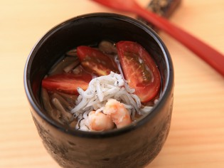 和風出汁の風味を効かせた爽やかな夏の一品『冷製茶碗蒸し』