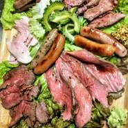贅沢なタン元だけを使用した炙り上タンとサーロイン、濃厚赤身のローストビーフ、三元豚のプレミアムローストポークの食べ比べセット!