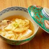繊細に盛り付けられた柔らかな味わいが食べる喜びを覚える。「京」を感じる一品『甘鯛湯葉あんかけ』