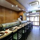 デートや接待など、さまざまなシーンに利用可能な寿司店