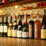 フランス産ワインを中心に、今後イタリア産ワインやカリフォルニア産ワインなど、さまざまなワインを取り揃えていきたいと話す料理人。ワインにぴったりの料理とあわせて、素敵なマリアージュを堪能できそうです。