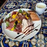 ・美食家サラダ ・旬野菜のスープ ・バゲット