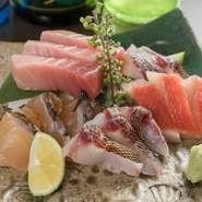 「沖縄の魚はそれぞれの素材に合った下処理と〆方によってとても美味しく食べられます。」と村上氏。その技により、イラブチャー、ミーバイ、アカマチなどの素材の美味を引き出して提供してくれます。