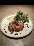 県産銘柄鶏の「さくらんぼ鶏」使用。じっくり火を入れホロホロに仕上げました!ギュッと旨味がつまってます♪