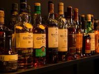 スタンダードの物から、なかなか手に入りづらいウイスキーまで様々取り扱っております。