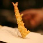 サックリして甘みのある『才巻海老の天ぷら』