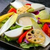 彩り豊かなおしゃれな一皿『バーニャカウダ』