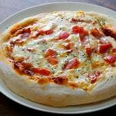 オーナーが研究を重ね、ようやく誕生した『本日の自家製手捏ねピザ』