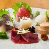 料理経験の長い店主の目利きで厳選。東北各県の旬の魚『おまかせ盛合せ』