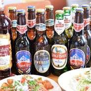 ネパールのビールは「エベレストビール」「ネパール アイス」、インドは「キングフィッシャー」を用意。また、ネパールのラム「ククリラム」もあり。料理といっしょにいただけば、一層本場の味わいを堪能できます。