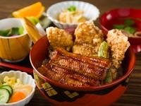 2種類の異なる食材を一度に楽しめる『伊達な親せき丼』
