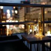 夕方はアペロ、夜は食後の一杯にひたれる、限定2名様の特等席