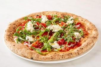 ピッツァフィレンツェお勧めのディナーセット。当店のピッツァと料理をご堪能ください。2名様から承ります