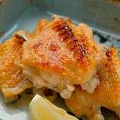 皮はパリッと、肉はジューシー『播州赤鶏手羽塩焼き』