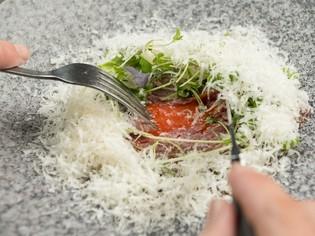 地元の食材をふんだんに使用。お店ならではのエッセンスを加える