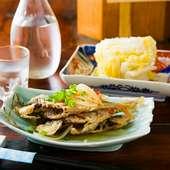 こだわりの一品料理も豊富にラインナップ。この季節のオススメは『アジの南蛮漬け』と『白菜漬け』
