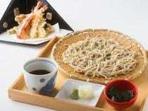 東郷氏が毎朝打つ蕎麦と天麩羅は、最強の組み合わせ