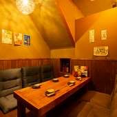 完全個室も完備。落ち着いた雰囲気の中で食事ができる