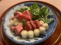 鰹の風味と芝海老の旨みが溶け合う『芝海老しんじょう汁』