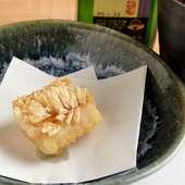 上品な旨みと食感の楽しさがクセになる『甘鯛のうろこ揚げ』