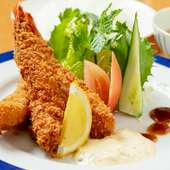 大きな海老が三本も! とってもお得な『自家製タルタルソースの海老フライ定食』