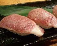 極上ブランド牛は炙り寿司でも『神戸牛の炙り寿司(2貫)』
