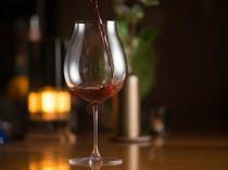ワインはフランス産を中心に豊富な品揃え