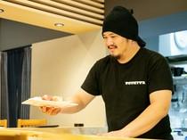おいしい刺身を提供するために旬の新鮮素材を仕入れています