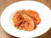 ソースの味に負けないぐらい、しっかり味のする生パスタを使用した『天然赤エビトマト生パスタ』