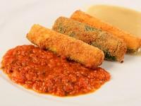 2色のソースで美味しさ倍増『ズッキーニのフリット』