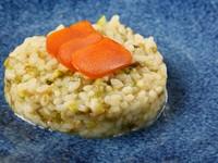 メイン料理の次の皿は、季節食材で彩るパスタやリゾットなど。ほのぼのとした美味しさで、お腹も心も大満足です!